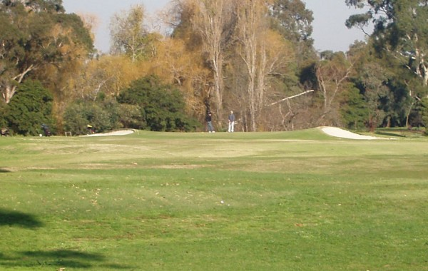 2nd Hole – Par 4 (416 metres)